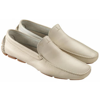 Slip-On Shoes Super-comfortable moccasins. With robust rubber pads instead of damageable rubber bobbles.