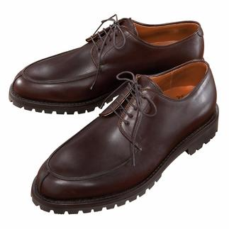 Schwangau Cowhide Lace-Up Shoe Durable welt seams, with non-slip mud and snow soles.
