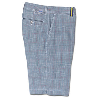 Brax Glen Check Bermuda Shorts The stylish way to wear trendy checks. Muted colours. Ideal length. Perfect Brax fit.