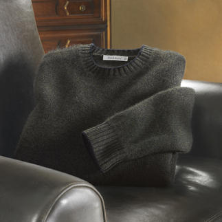 Pashmina Jumper It just doesn't get any finer or softer. Pashmina, the finest cashmere. Spun and woven in Italy.