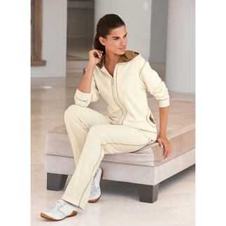 Pima-Cotton Loungewear Suit, ecru/cappuccino Cuddly soft, splendidly comfortable – yet still extremely smart.
