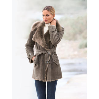 Tuscany Lambskin Short Trench Coat The lighter it is, the more it's worth. 