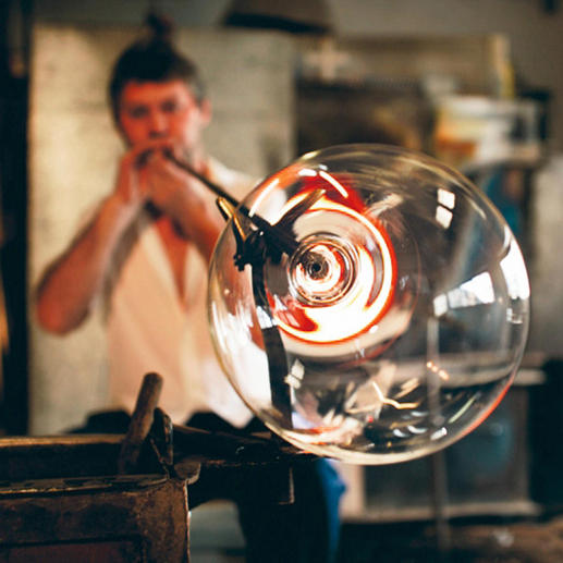 The elaborate manual work is reminiscent of the craftsmanship of Venetian glassblowers from the Renaissance.