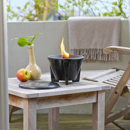 Wax Melter with lid Brightly blazing flames – even if you only use leftover candle stubs. For outdoor use all year round.