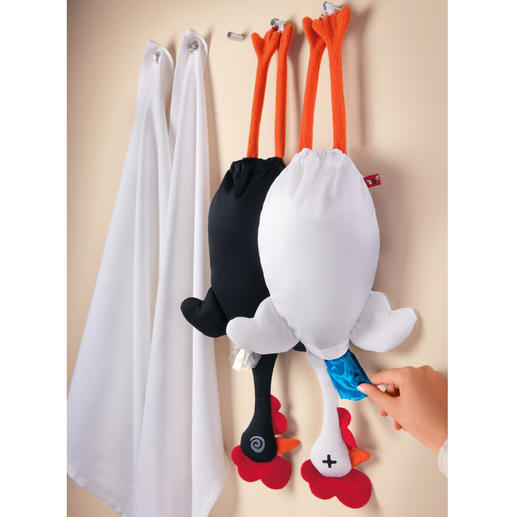 """Etelvina"" Bag Chicken A handy and amusing way to store up to 15 plastic bags."