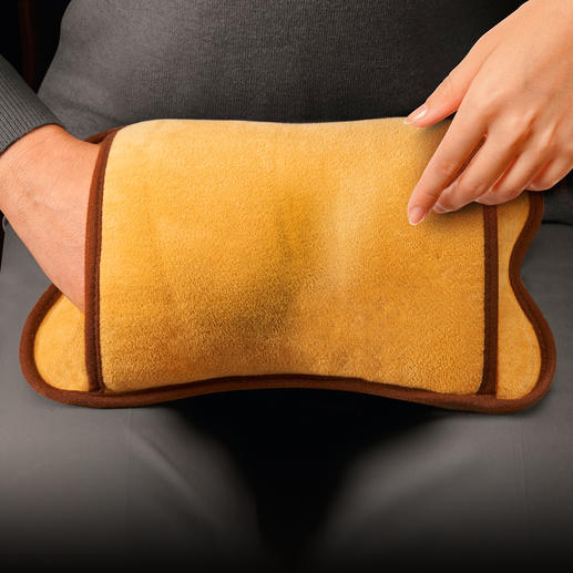 Electric Hot Water Bottle Use as a neck cushion in bed, back warmer at your desk or foot warmer on the sofa – it's extremely versatile.