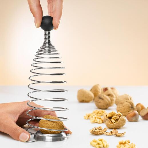Naomi Nut Cracker - Cracking nuts has never been so much fun.