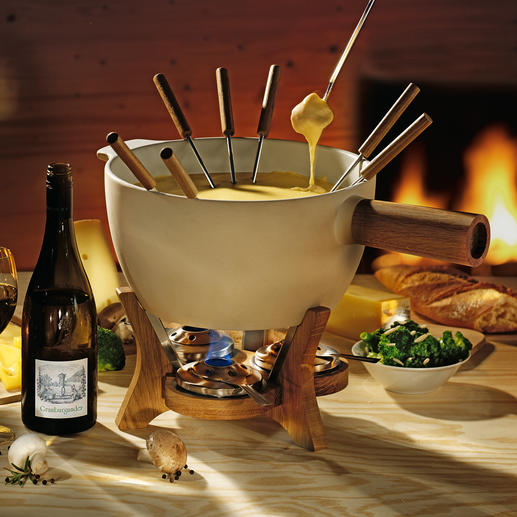 Boska Cheese Fondue Cheese fondue XXL for 4 to 12 people. Extremely sturdy, ideal at holding and evenly distributing heat.