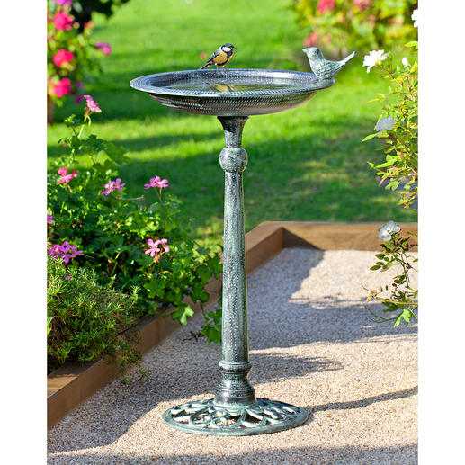 Victorian Bird Bath With an antique looking finish. In the English garden tradition.