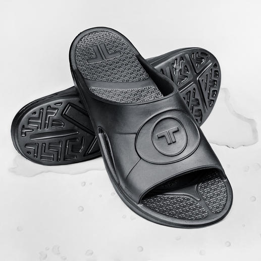 Novalon™ Ultra-Light Slides The footbed that adapts to your foot for perfect relaxation. Non-allergenic and latex-free.