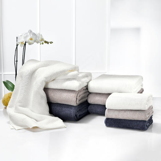 "Luxurious towels – extra fluffy and supersoft. Luxurious towels. Innovative ""AirDrop®"" technology makes them nearly twice as thick - and they stay that way."