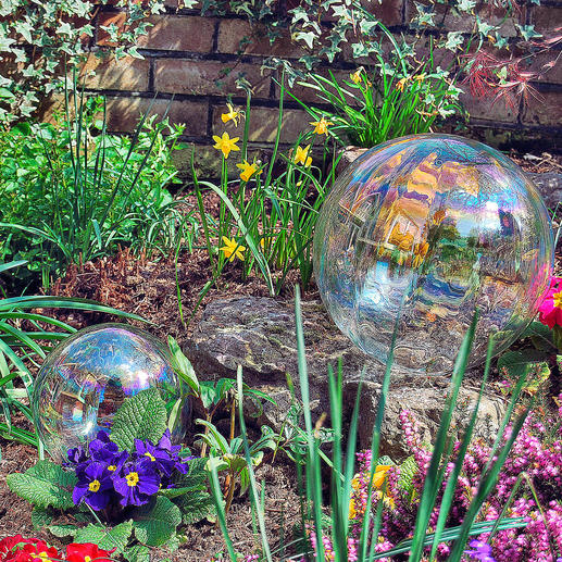 Soap Bubble Ball - Beautiful everlasting soap bubbles – made from iridescent glass. For use indoors and out.