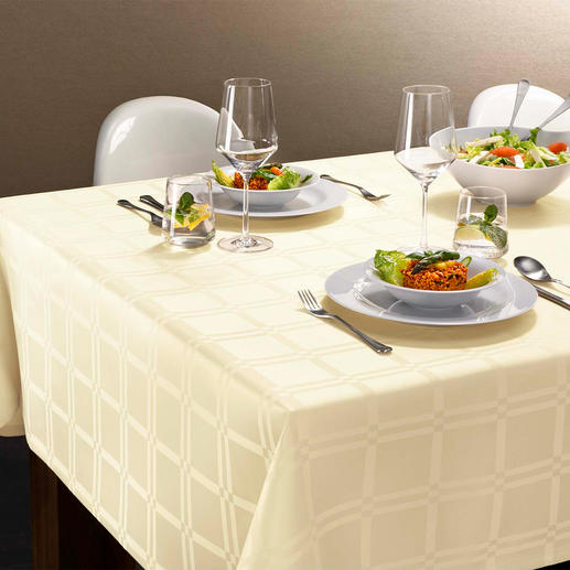 Stain-Resistant Tablecloth Teflon® coated fibres make this cloth durable, stain-resistant and easy to clean.