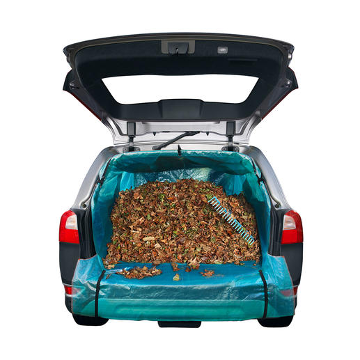 Whether you are transporting leaves, bulky items or even a Christmas tree in your car, nothing will get dirty or scratched anymore.