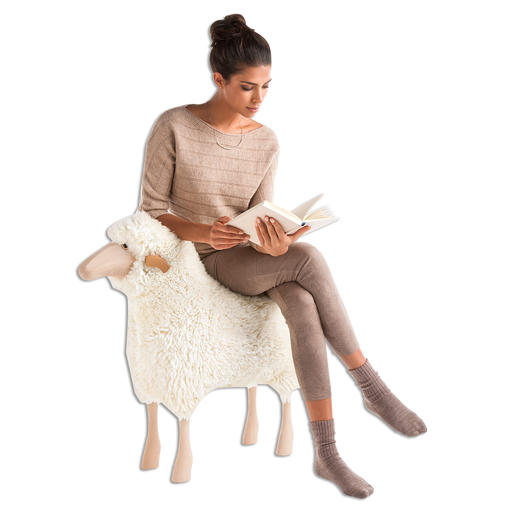 The solid wood substructure is extremely sturdy, i.e. these sheep can also be used as a stool.