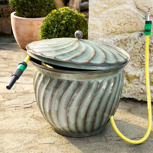 "Hose Tub ""Ritu"" - Practical home for your garden hose. And a stylish eye-catcher at the same time."