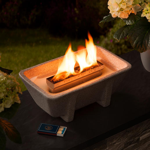 Schmelzfeuer® XL Granicium® Romantic candlelight – yet intense and windproof.