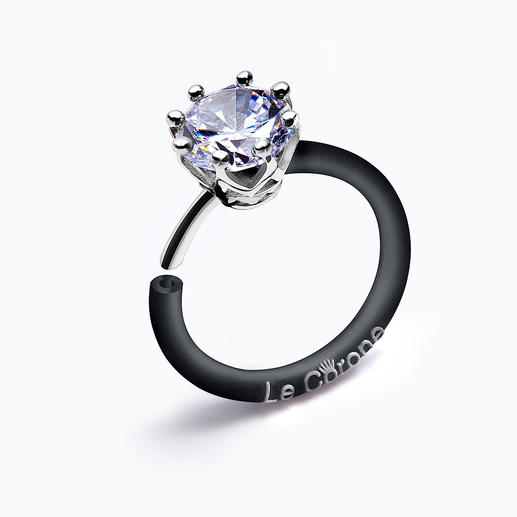 Solitaire Ring Better than a jam-packed jewellery box: The solitaire ring with a changeable ring shank.
