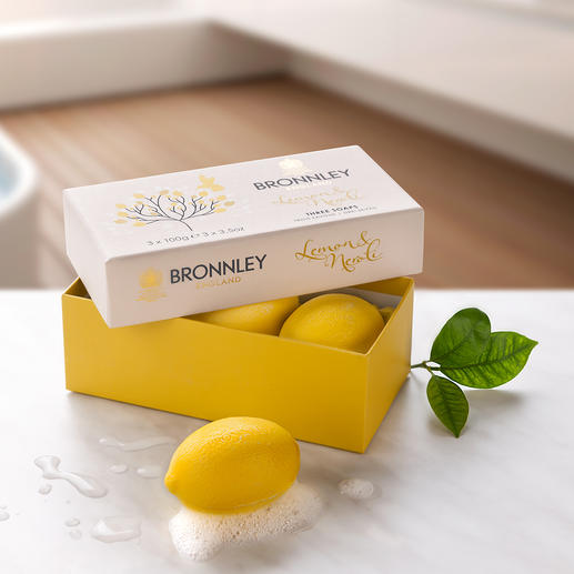 Bronnley`s Lemon Soap, Set of 3 (3 x 100 g) Triple milled. With precious lemon oil. From the supplier to Her Majesty, The Queen.