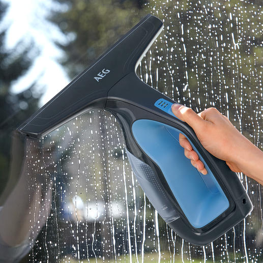 AEG Window and Surface Cleaner WX7 90B2B Squeegee quickly and easily and aspirate at the same time.