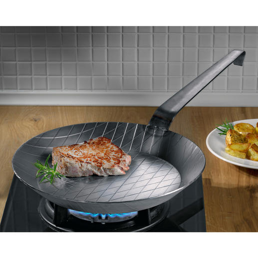 Forged Iron Pan Extreme heat tolerance. Practically indestructible. Unbeatable for crispy frying results.
