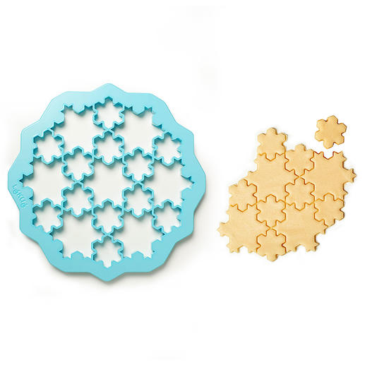 … or 19 richly detailed snowflake biscuits.