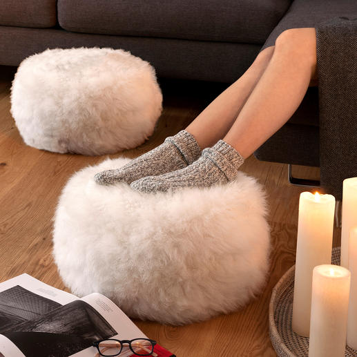 Sheepskin Footstool, one piece, natural/ivory coloured - Comfortably supports your legs – and keeps your feet pleasantly warm.