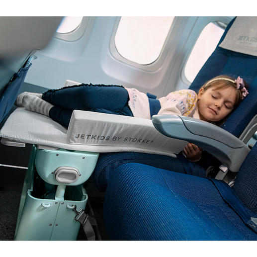 A comfortable travel cot for your baby in an instant.