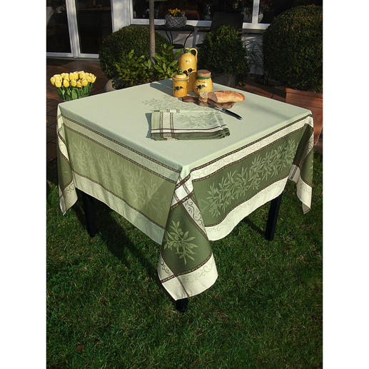 Woven Olive Table Linen Beautiful linen for indoors and outdoors that creates a holiday feeling. Made of 100% cotton – hard-wearing and stain repellent.