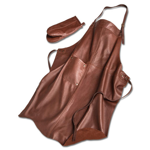 Hand-made in Finland: Barbecue apron made of rare, butter-soft elk leather. Hand-made in Finland. In a set with matching glove.