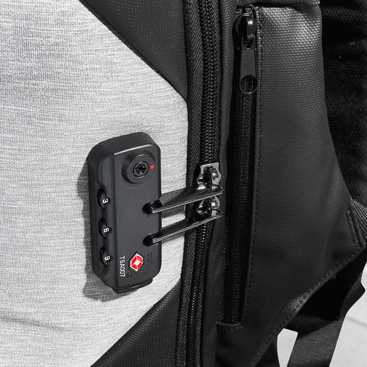 Closed securely: Simply clamp the zip into the TSA lock.