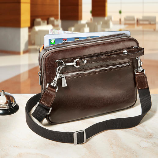 "The 80cm (31.5"") shoulder strap instantly turns the bag into a stylish cross body bag."