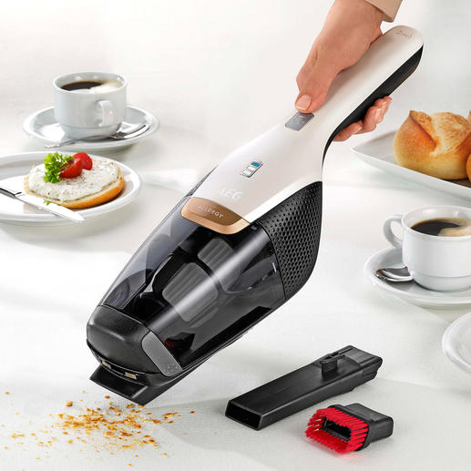 Readily to hand: The integrated hand-held vacuum cleaner.