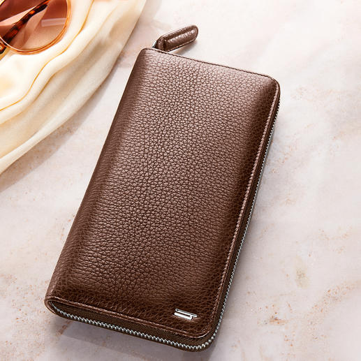 Hartmann Bison Leather Ladies' Wallet Sleek. Elegant. And still roomy. Made of rare bison leather.