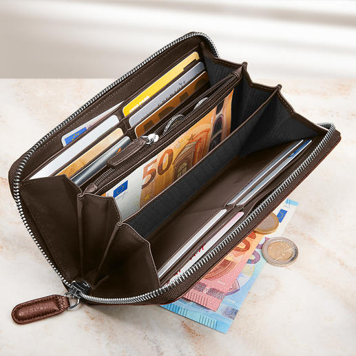 With 12 pockets for cards, 5 large pockets for bank notes, receipts, ... and a zip compartment.