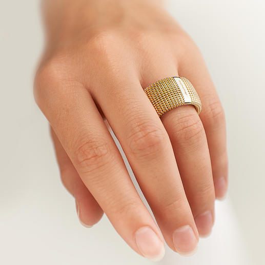 3D Ring - Exceptionally chunky, unexpectedly light.