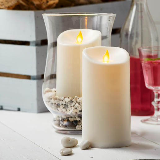 TWINKLE LED Outdoor Candles Moving flame plate allows the candlelight to dance naturally. For inside and outside.