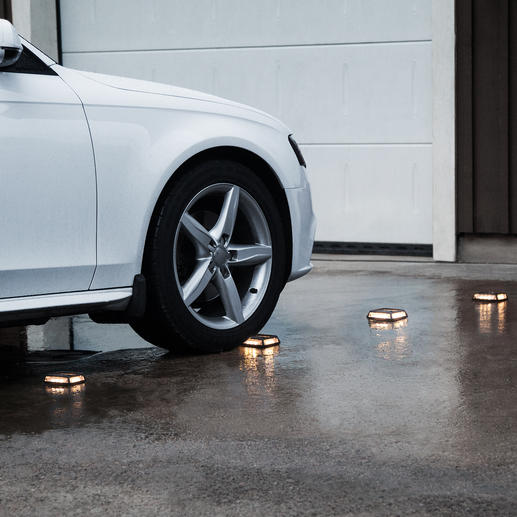 Solar-Powered Floor Lights Driveway, Set of 4 - To highlight garage entrances, steps, footpaths, etc.