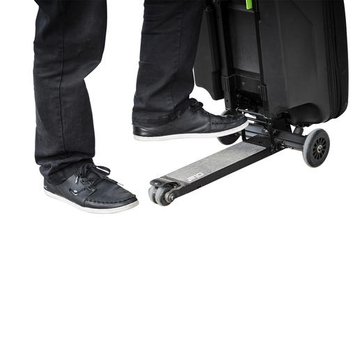Simply extend the telescopic handle, fold down the footrest and off you go.