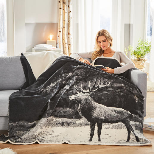 Photorealistic Jacquard Blanket - Luxurious woven jacquard instead of a simple print. Pleasantly affordable.