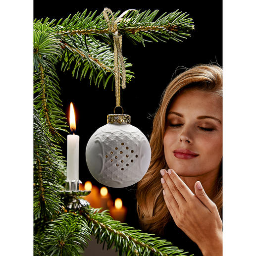 Porcelain Scented Bauble - Elegant tree decoration and scent bauble in one. By Lindner/Upper Franconia – makers since 1929.