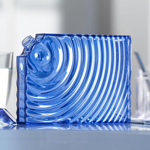 Designer Water Bottle Ripples A stylish alternative to conventional disposable bottles. Designed by Ron Arad for Guzzini, Italy.