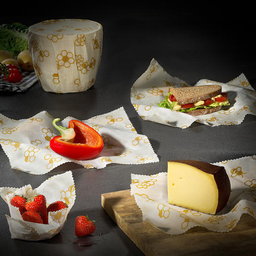 Beeswax Wraps, Set of 3 Reusable. Biodegradable. And no harmful particles can pass into your food.