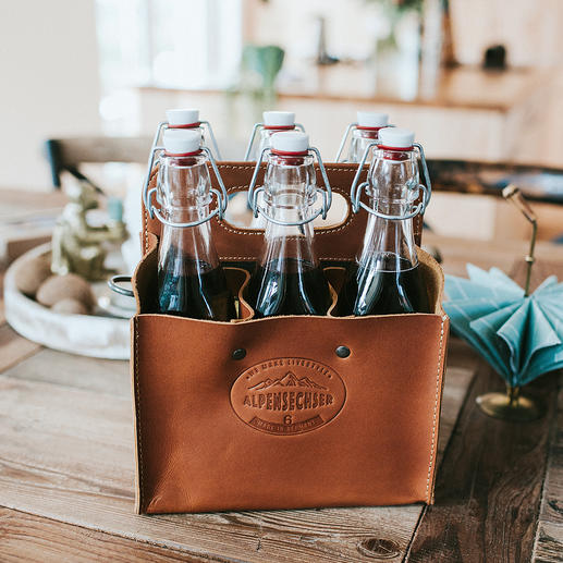Buffalo Leather Bottle Bags - Stylish bottle holder made of sturdy buffalo leather. Handmade in Germany.