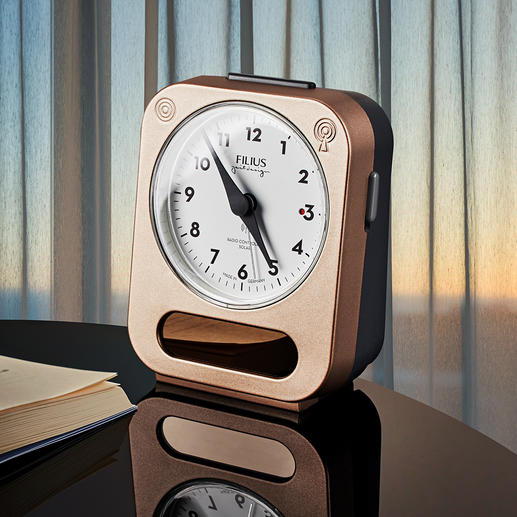 Solar Alarm Clock Never change batteries again, never oversleep again.