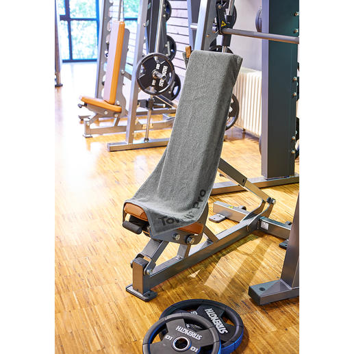 Magnetic Sports Towel It stays put perfectly! Perfect for many fitness machines.