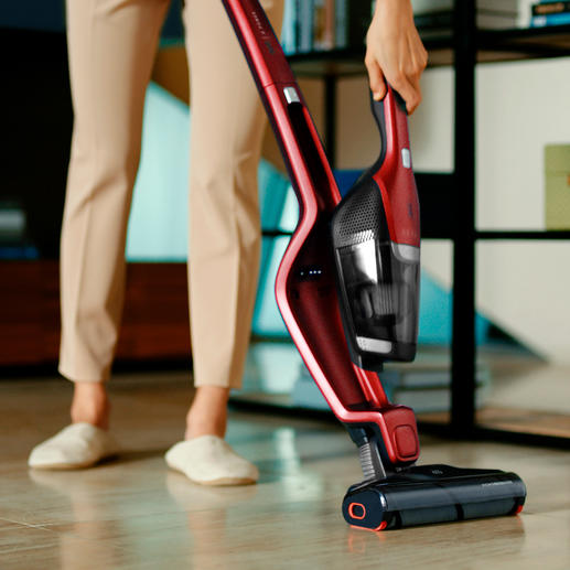 At your fingertips: The integrated handheld vacuum cleaner.