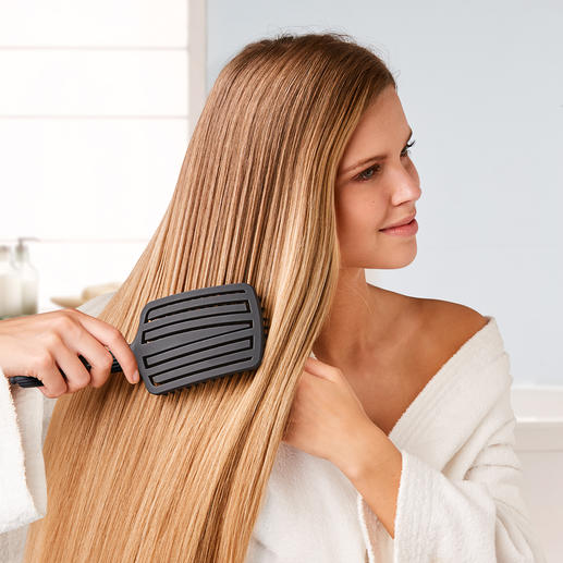 Touch & Glide Fingerbrush - Finally, silky smooth hair without tugging.