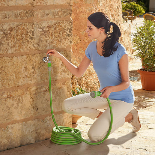 The flexible hose measures only 10m (33ft) and expands to up to 3times its original length when water pressure is applied.