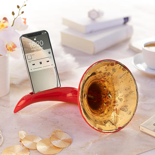 Nostalgic Smartphone Amplifier Probably the most beautiful amplifier for your smartphone. Without electricity, without cables.